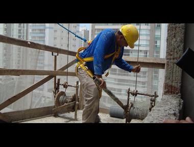 Desemprego na construção civil é tema da TV Tem